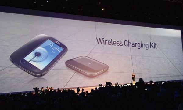 Samsung-Galaxy-S3-Wireless-Charging-Kit 1