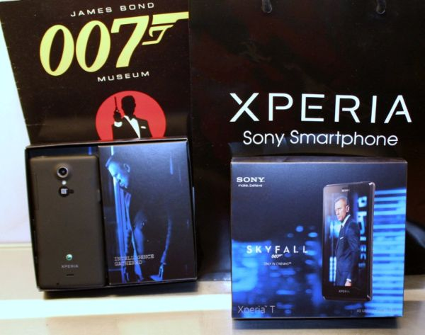 grovel your sony xperia t james bond edition review want country