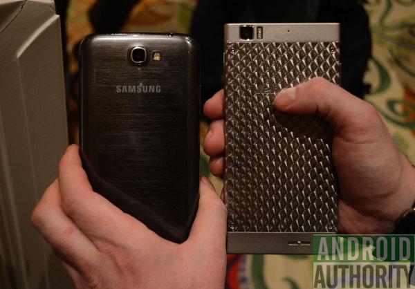 K900-vs-Galaxy-Note-2