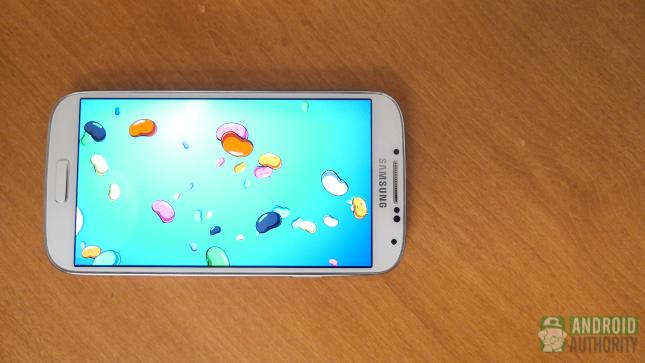 samsung galaxy s4 vs htc one s4 display aa