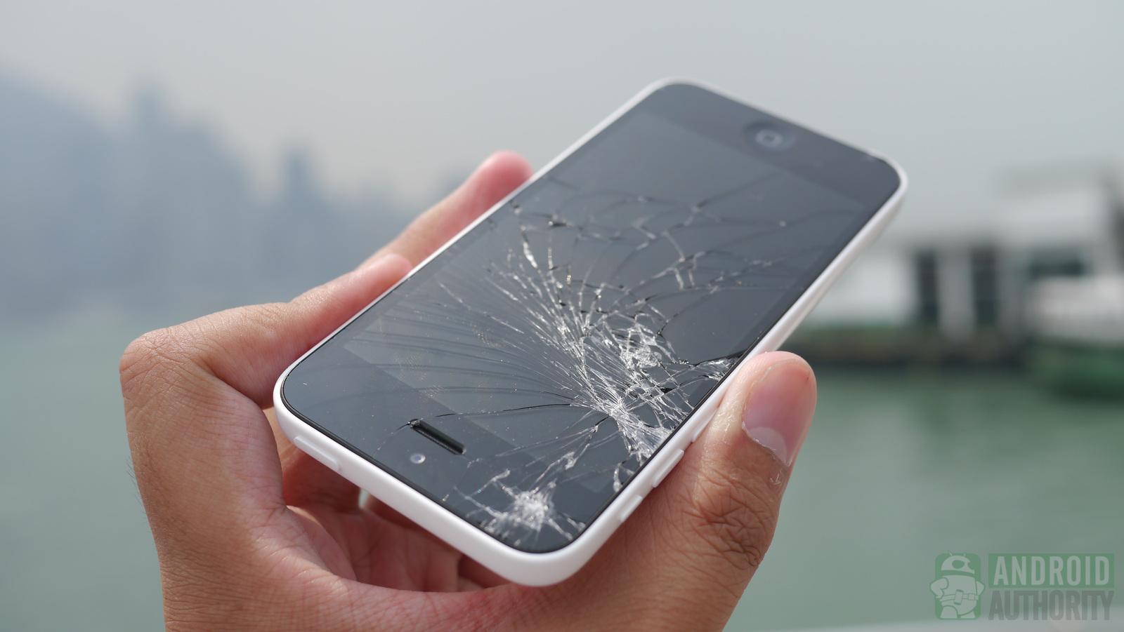 iPhone 5s vs 5c drop test: is Apple's plastic better?