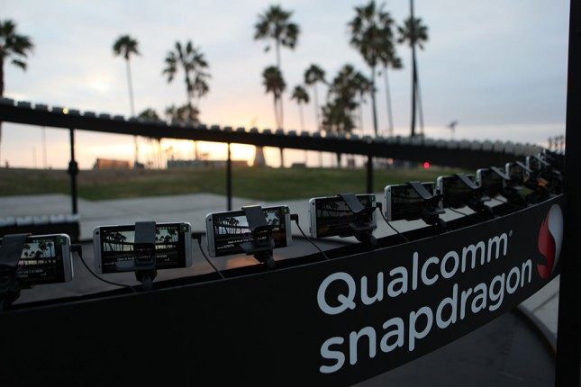 qualcomm snapdragon booth (1)