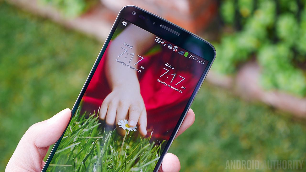 LG G Flex Drop Test Outdoors AA  (3 of 25)