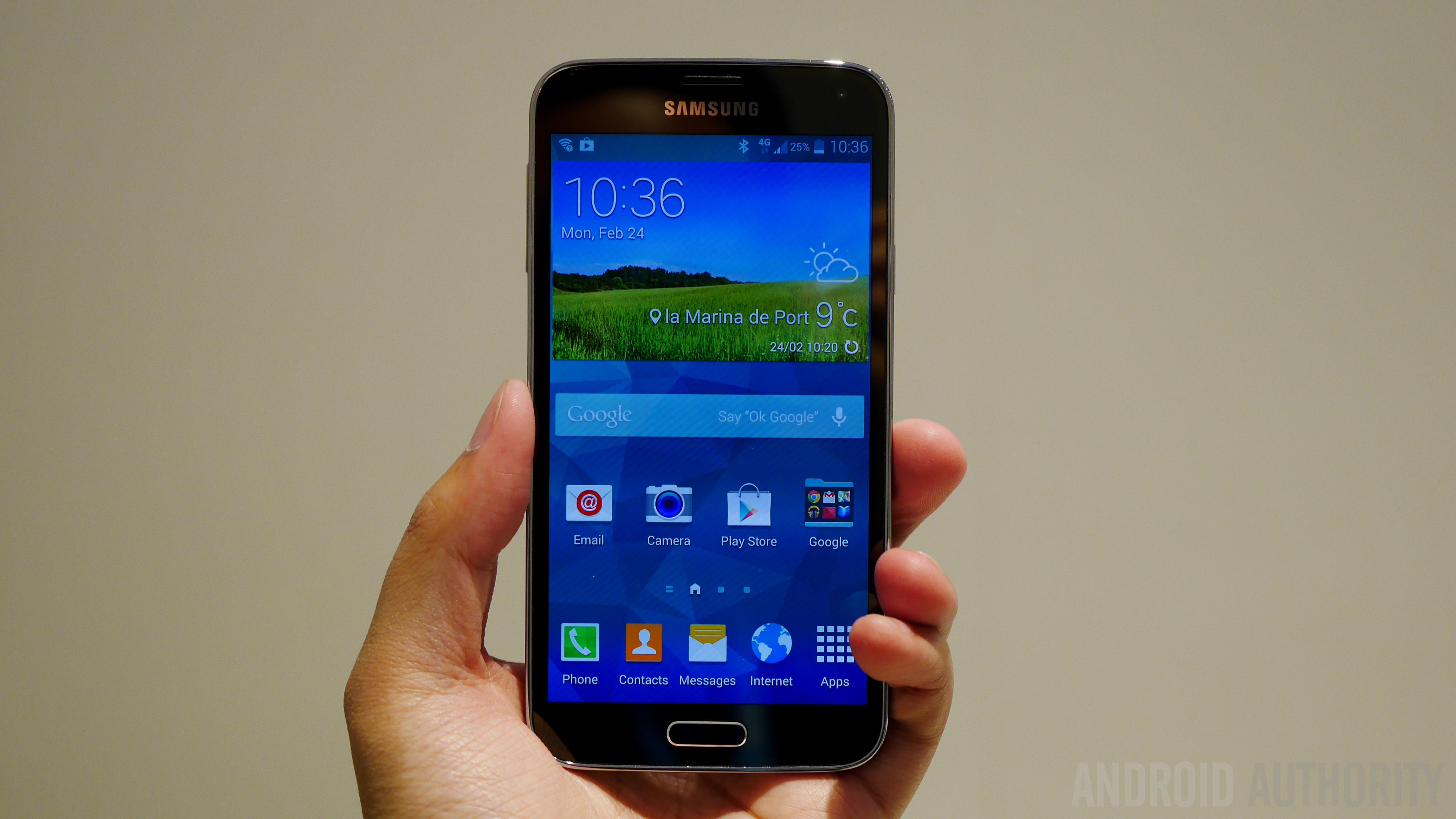 Samsung Galaxy S5 Hands on MWC 2014-1160053
