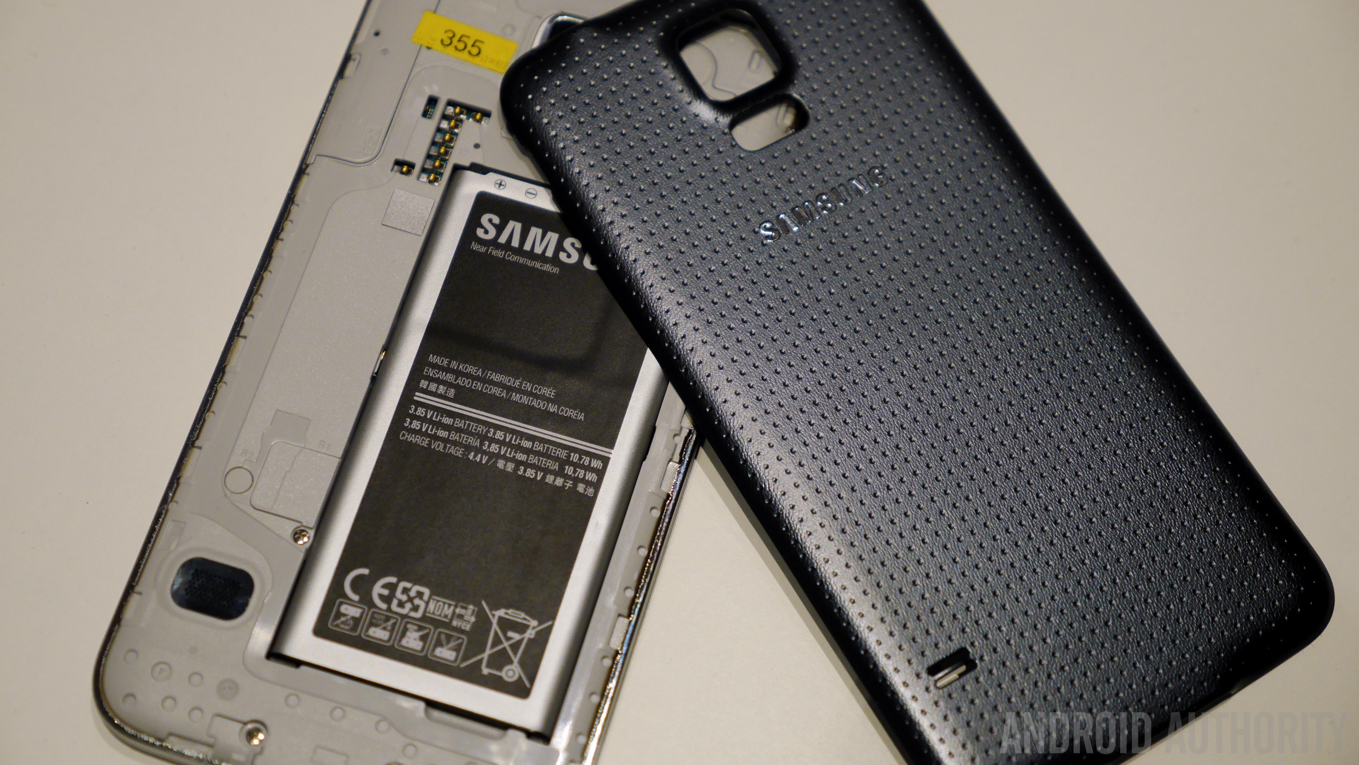Samsung Galaxy S5 Hands on MWC 2014-1160075