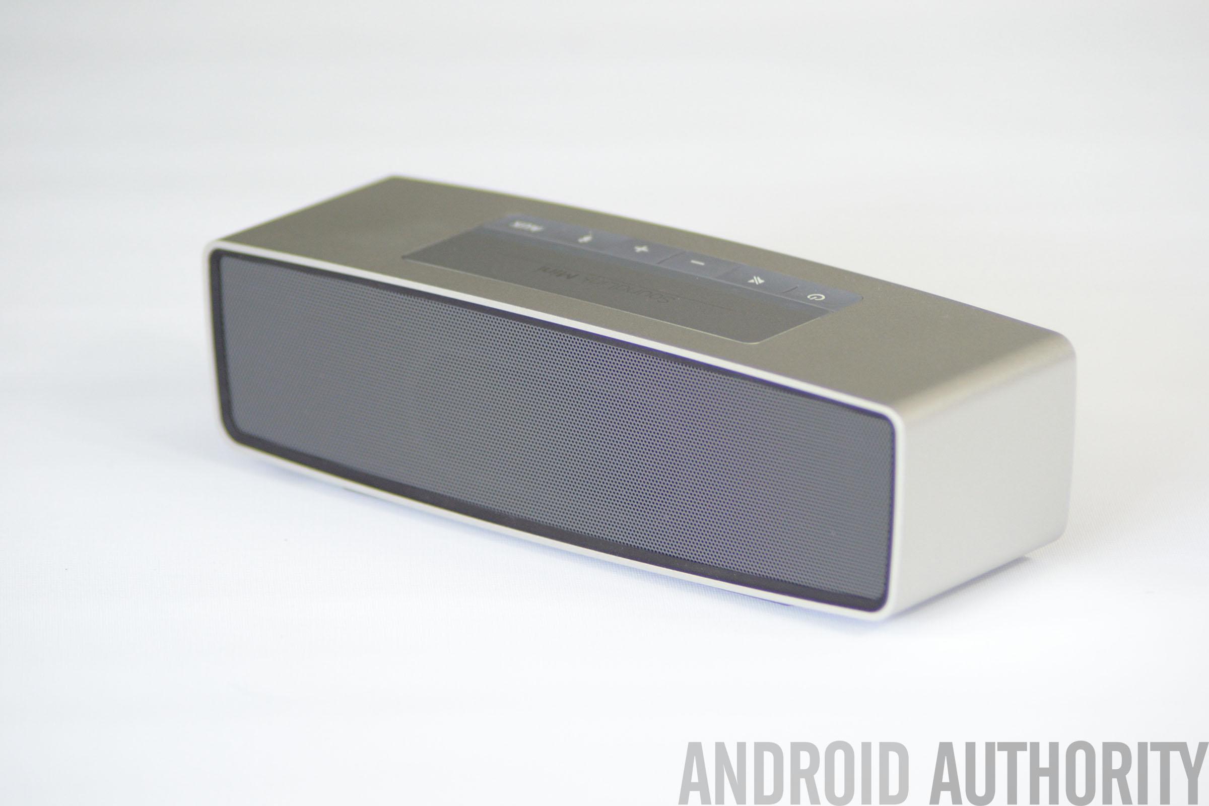 Bose Soundlink Back bose-soundlink-mini-aa-back