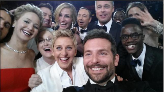 Ellen celebrity selfie at Oscars 2014