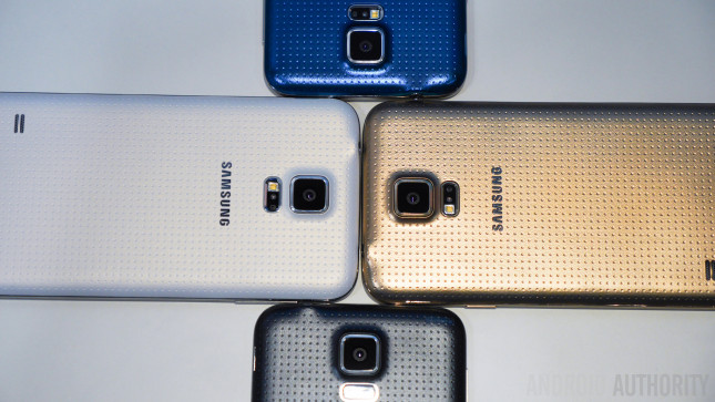 Samsung Galaxy S5 hands on color size vs all -1160802