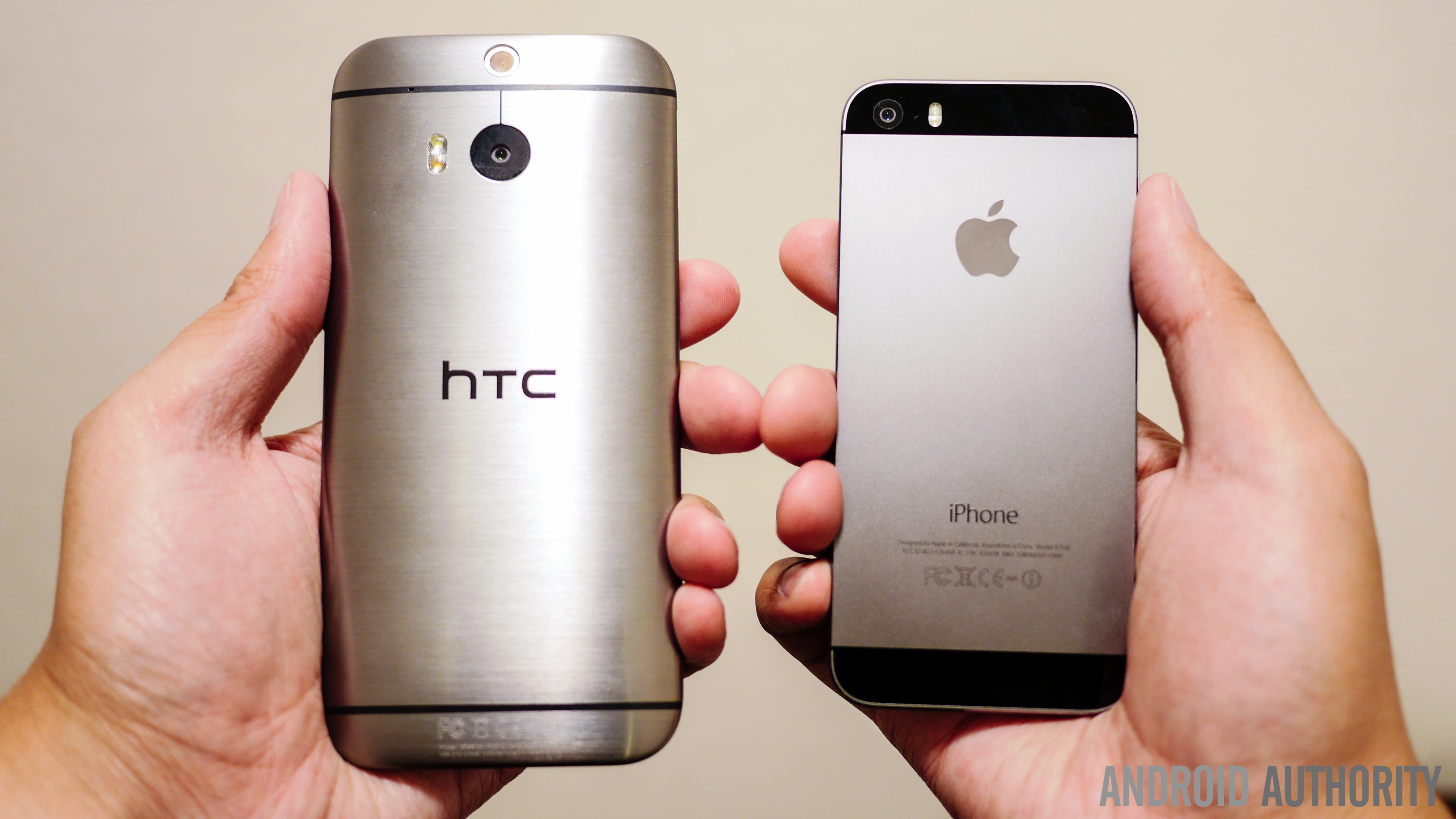 htc one m8 vs iphone 5s quick look aa handheld (2 of 6)