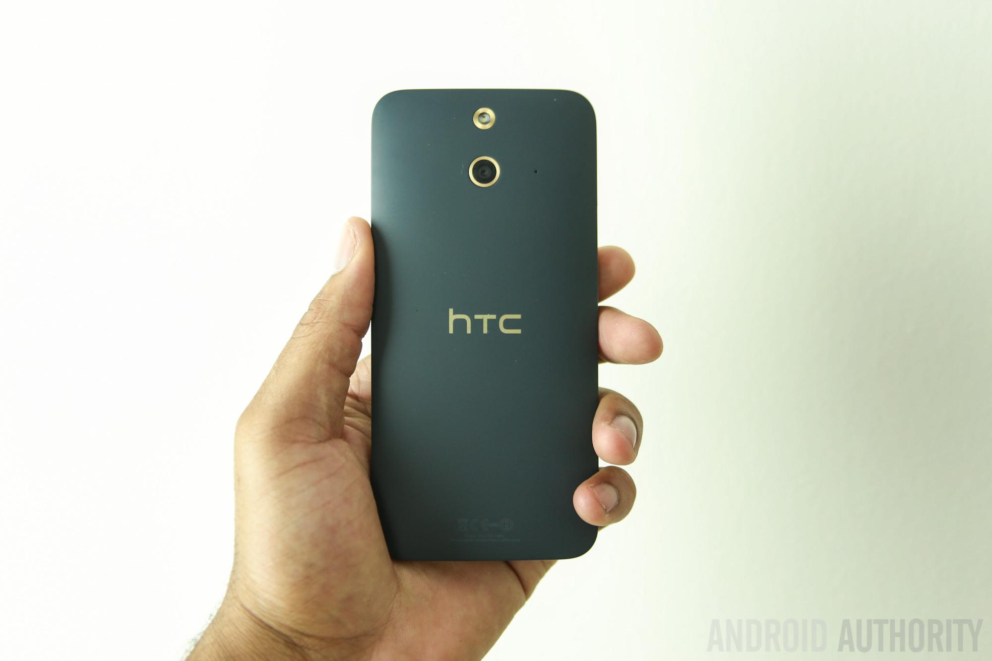 HTC One E8 vs HTC One M8 -12