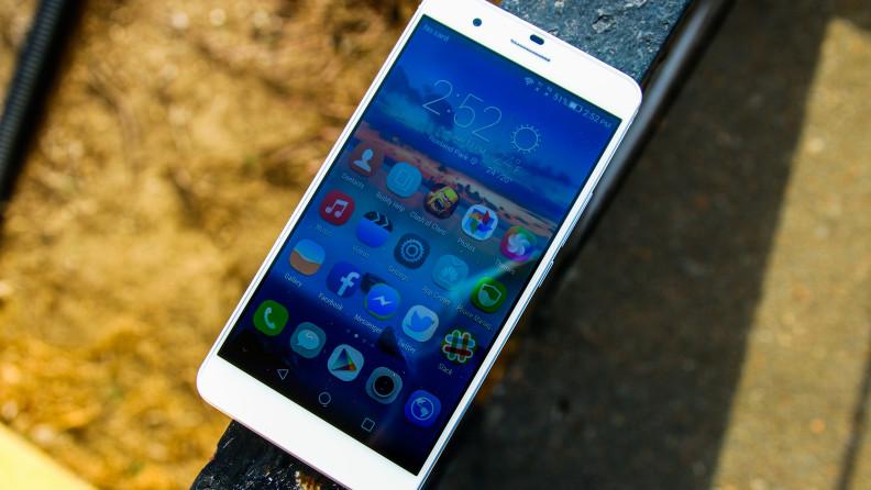 http://cdn04.androidauthority.net/wp-content/uploads/2015/01/Huawei-Honor-6-Plus-15-792x446.jpg