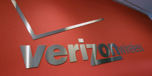 VerizonRedLogoBackground