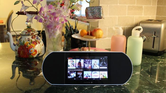 Zettaly Avy Android speaker product kitchen