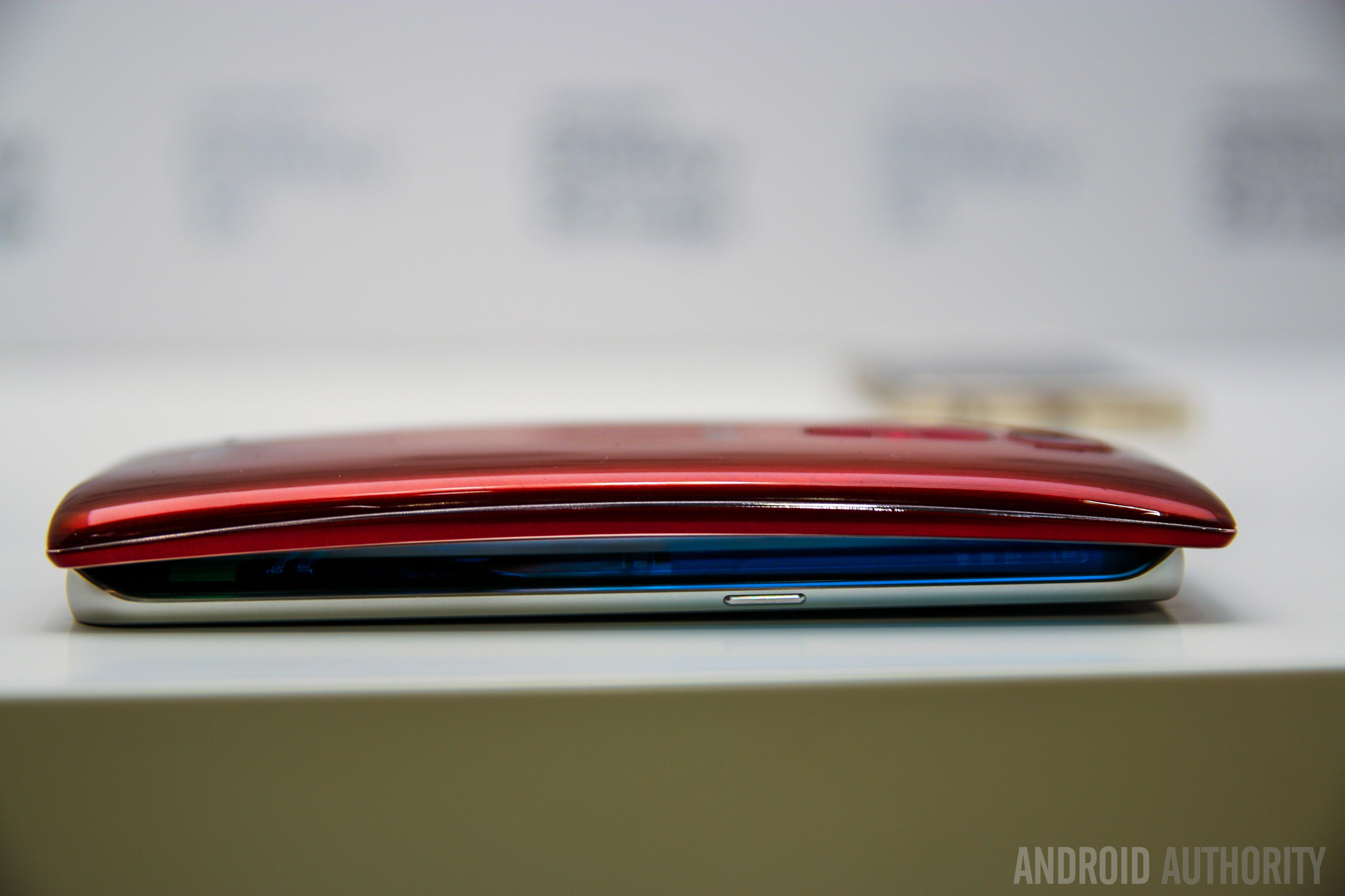 Samsung Galaxy S6 Edge VS LG GFlex 2-17