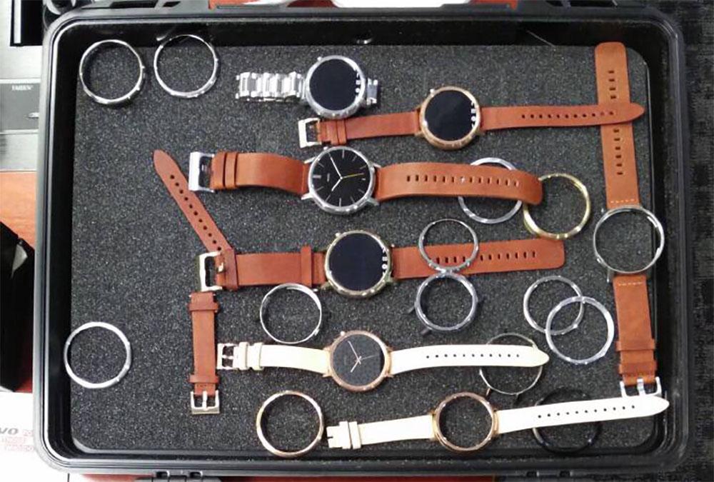 moto-360-briefcase-1