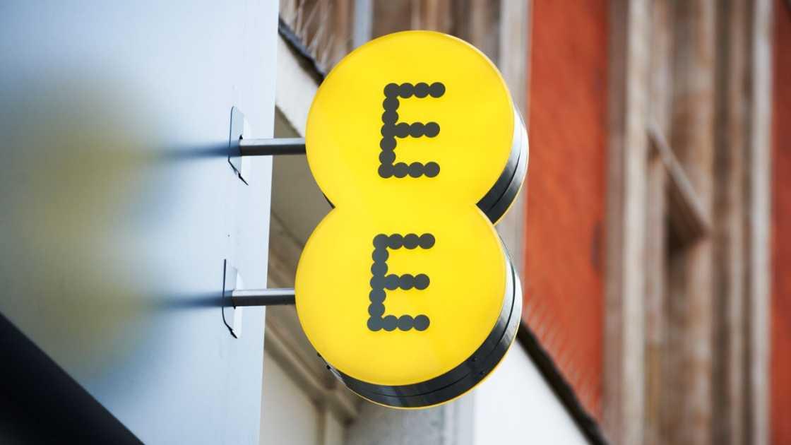 EE logo - EE review