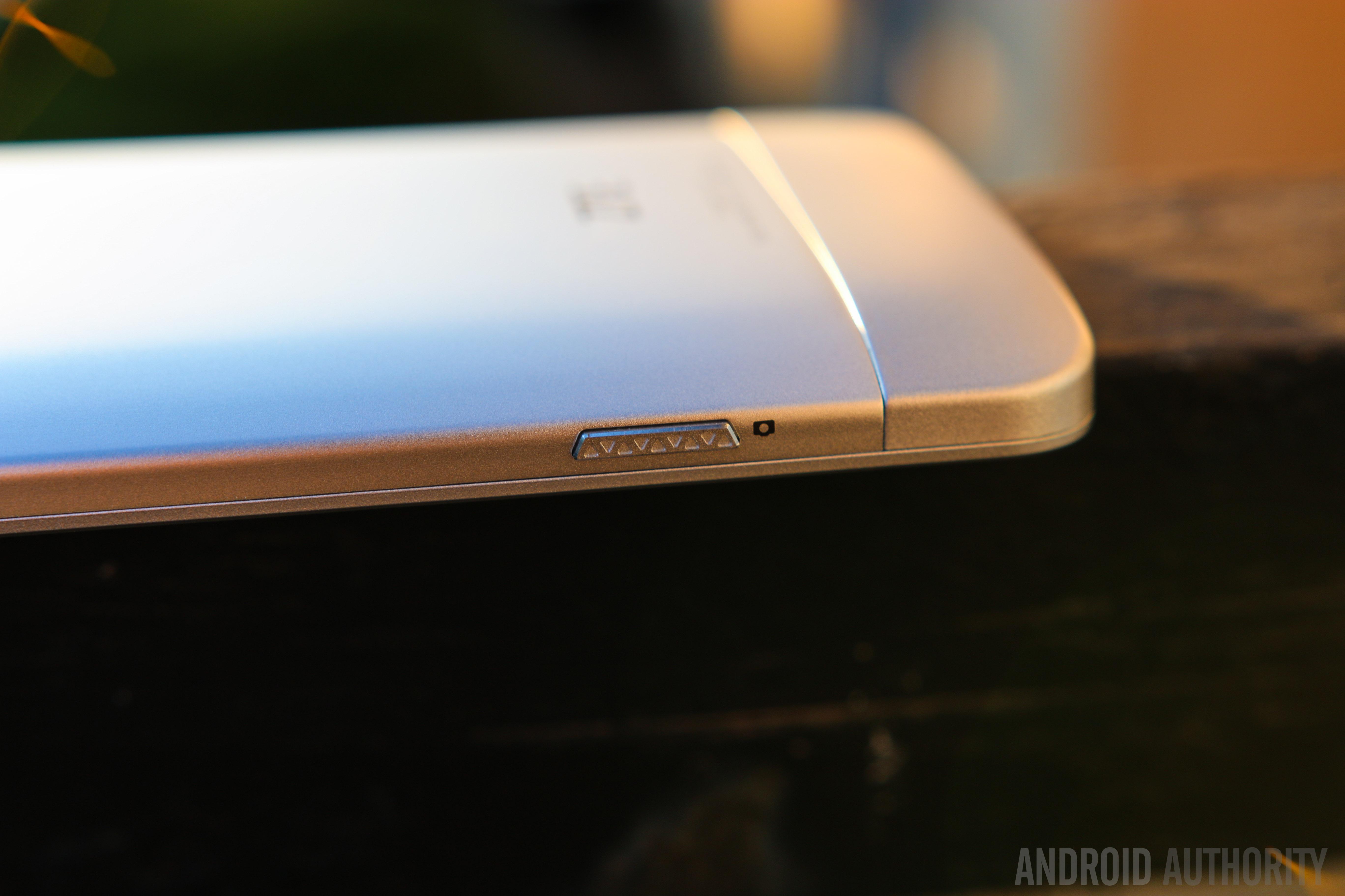ZTE Axon Phone-17