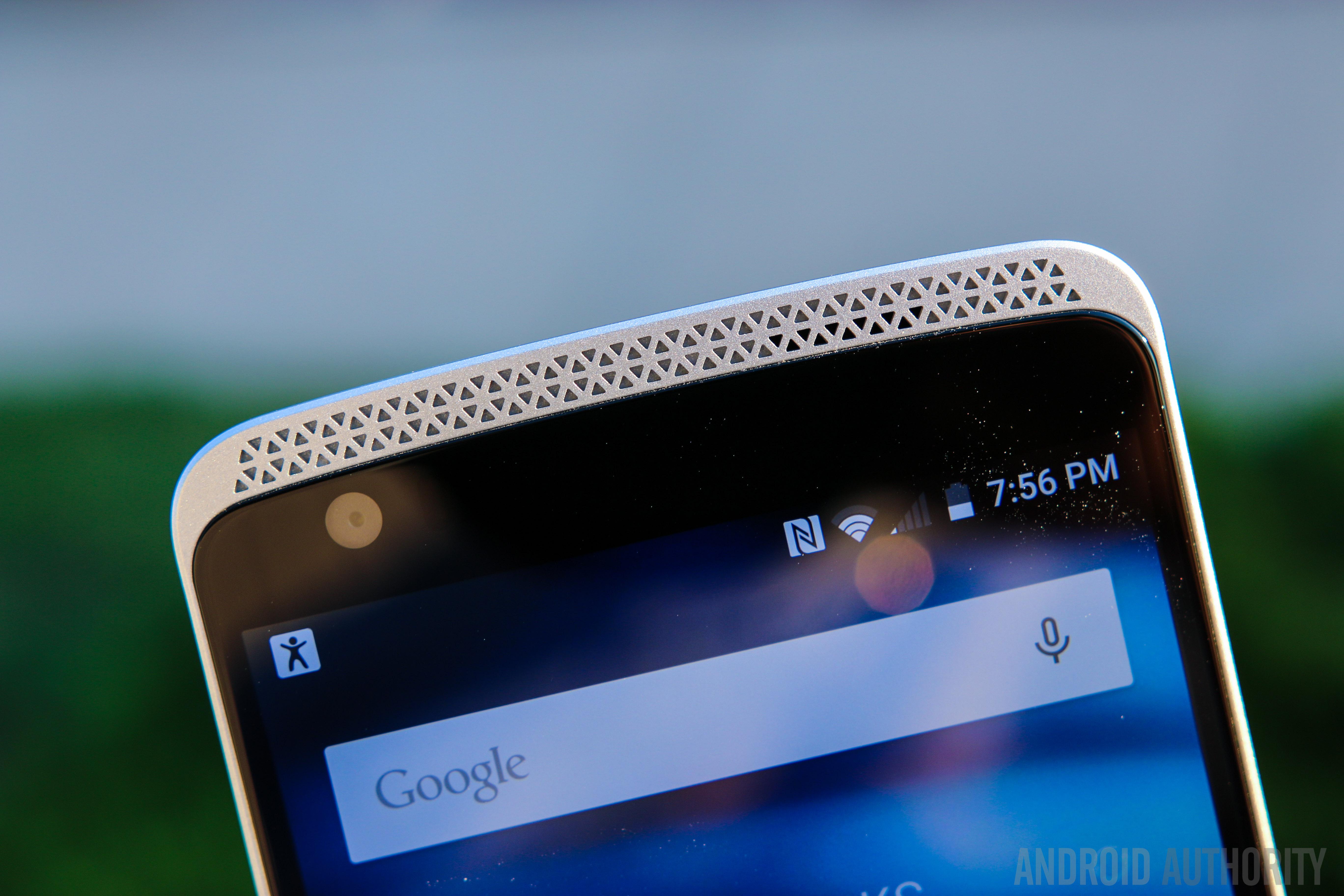 ZTE Axon Phone-25