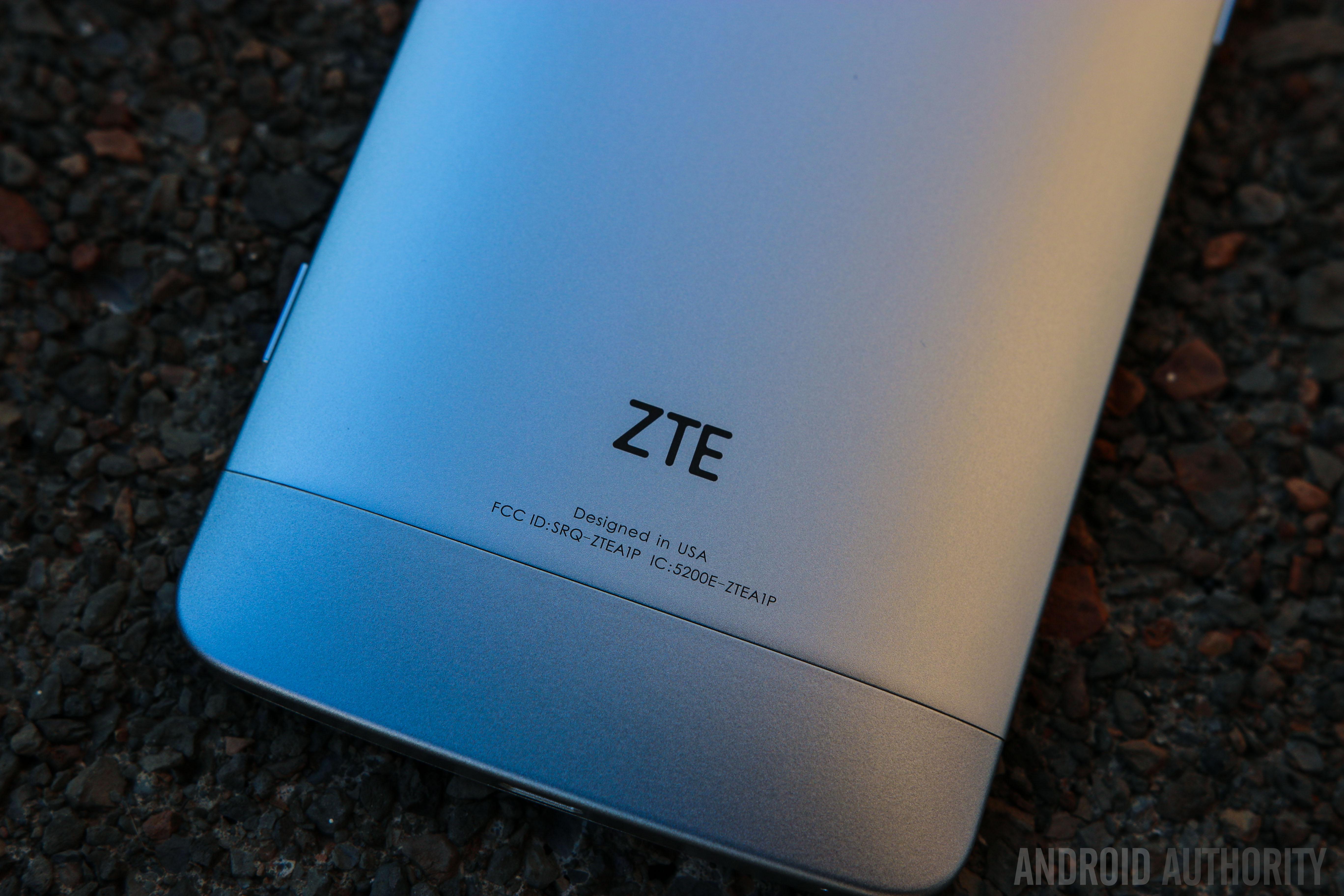 ZTE Axon Phone-9