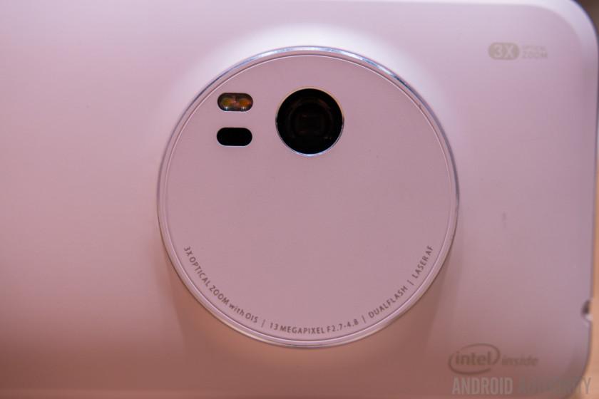 ASUS Zenfone Zoom Hands On-12
