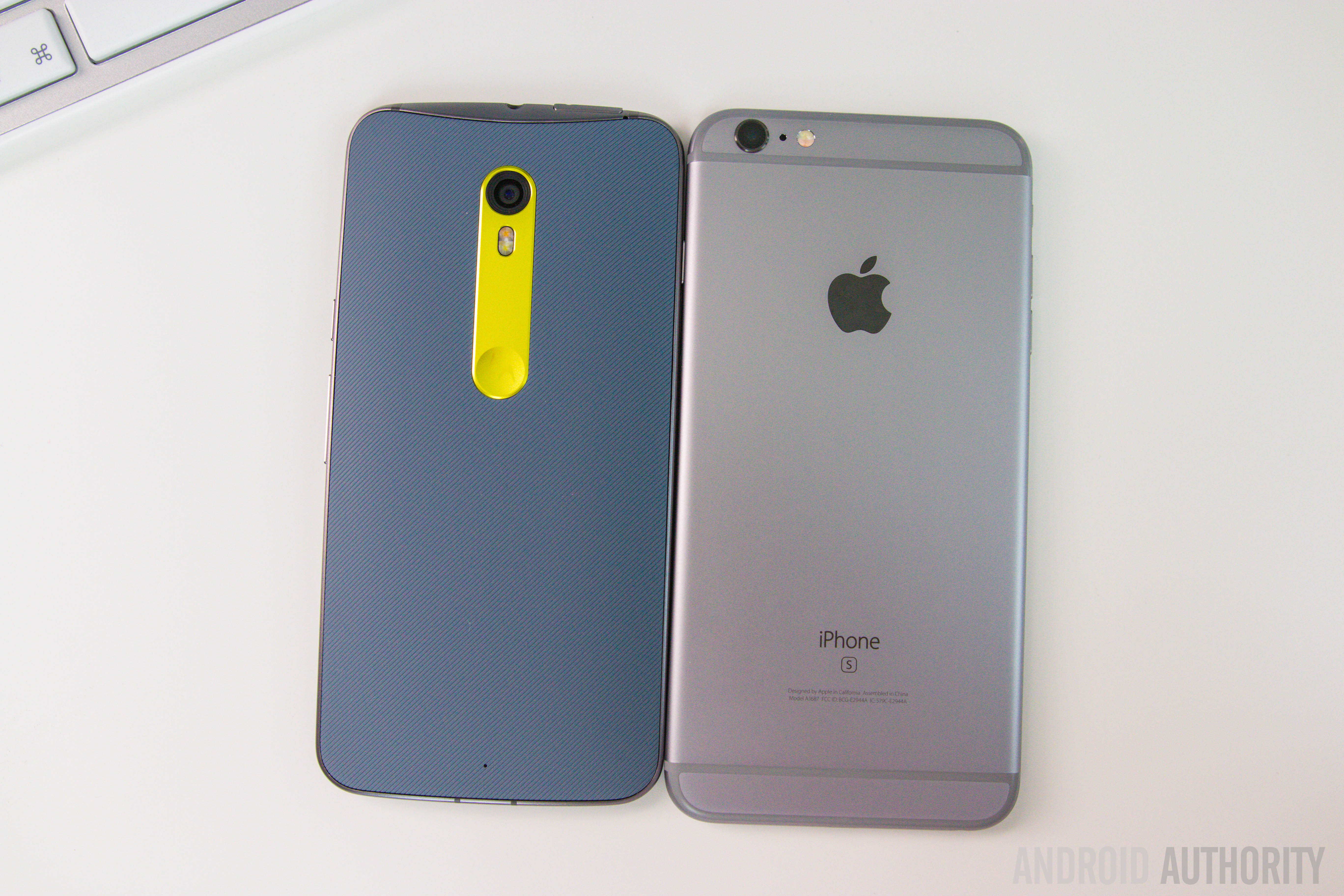 Moto X Pure Edition Vs iPhone 6S Plus-22