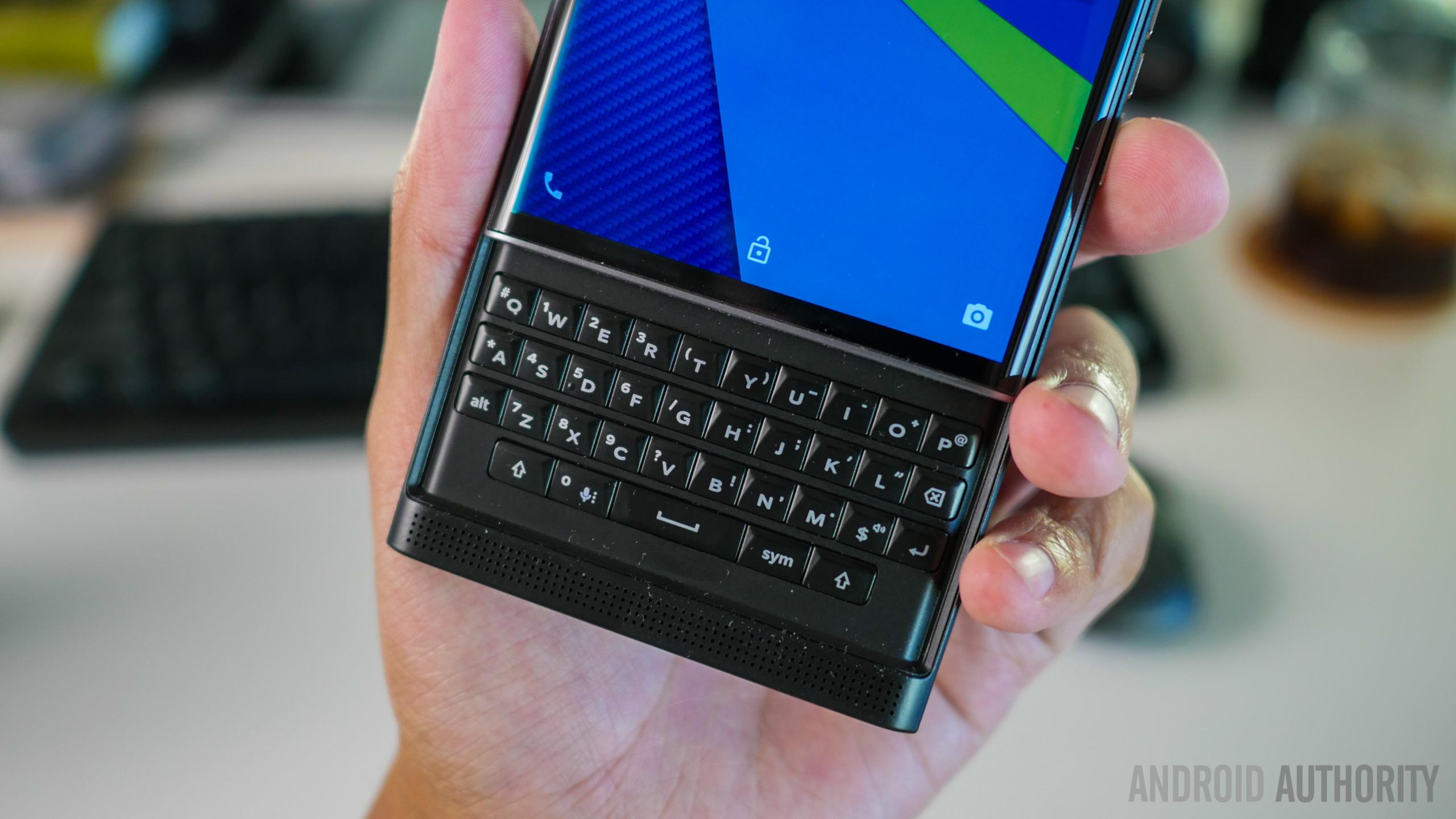 BlackBerry sold under 50,000 Priv units, Play Store data ...