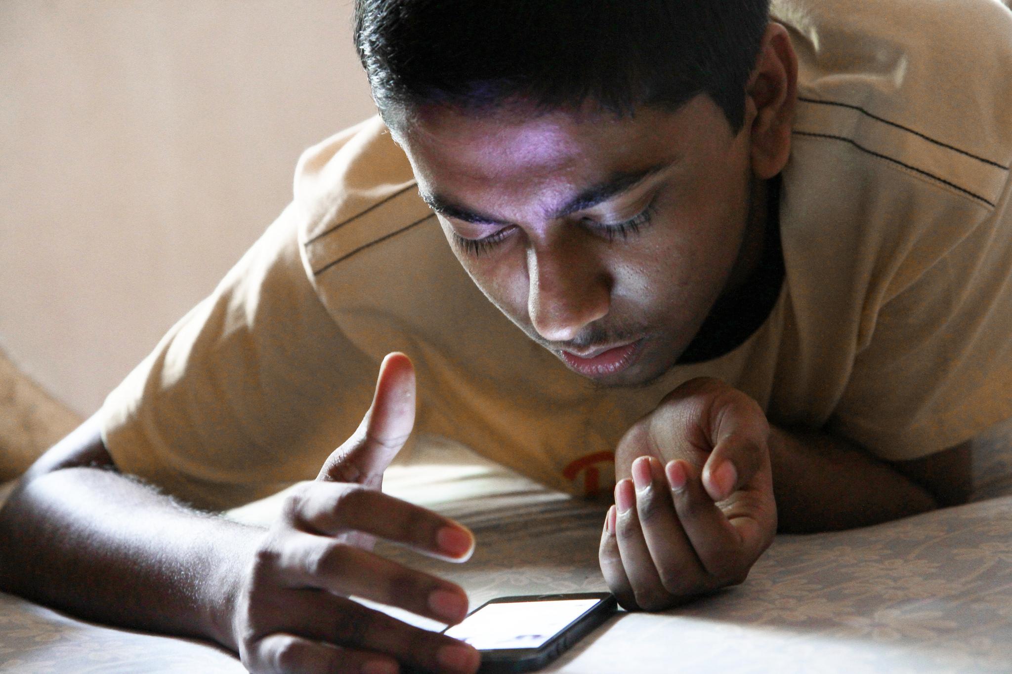 smartphone user india
