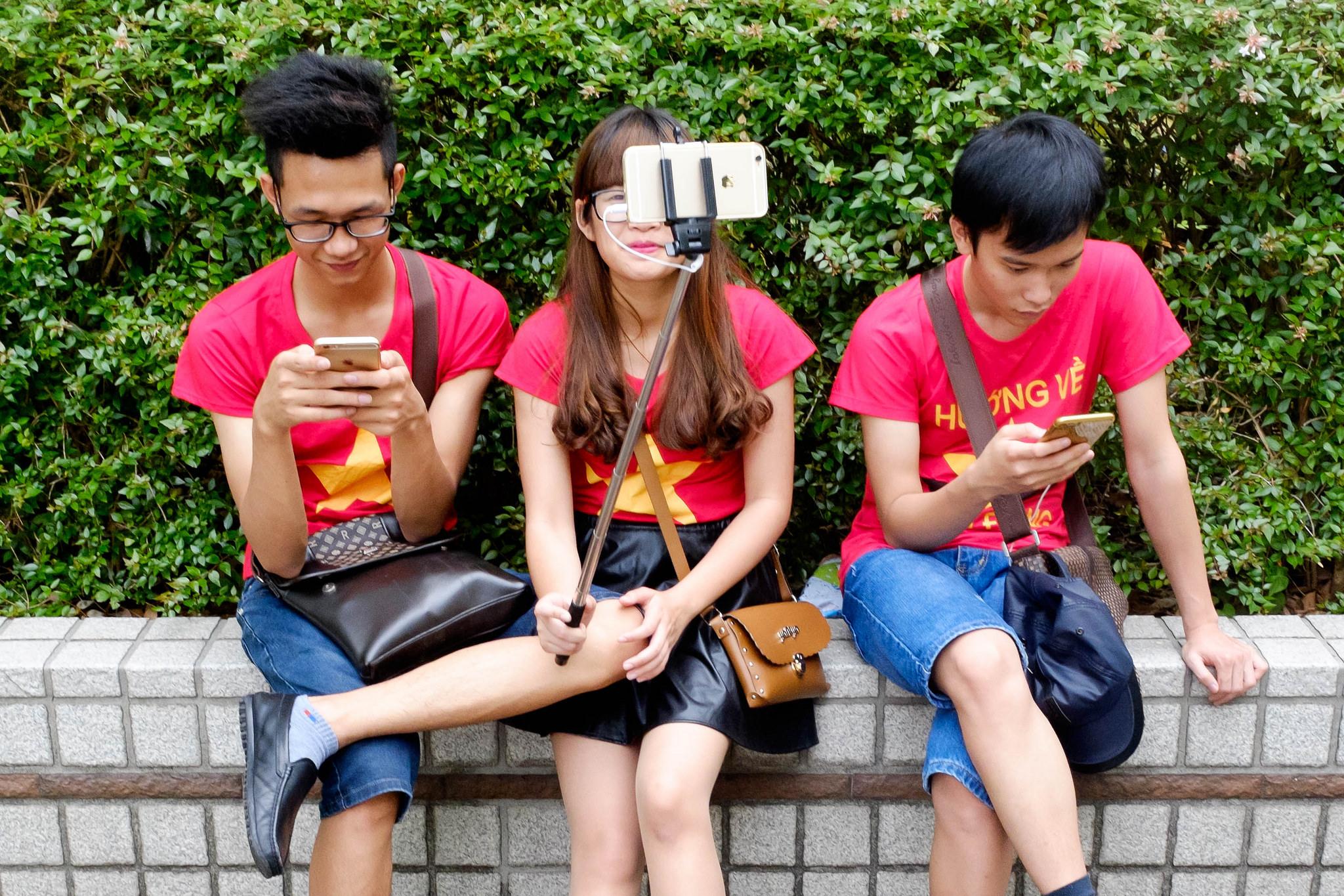 smartphones users apple addiction