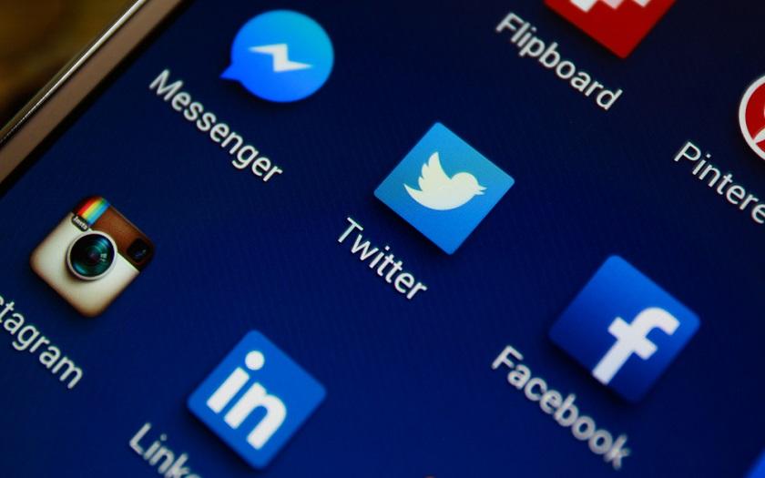 Facebook Messenger Twitter