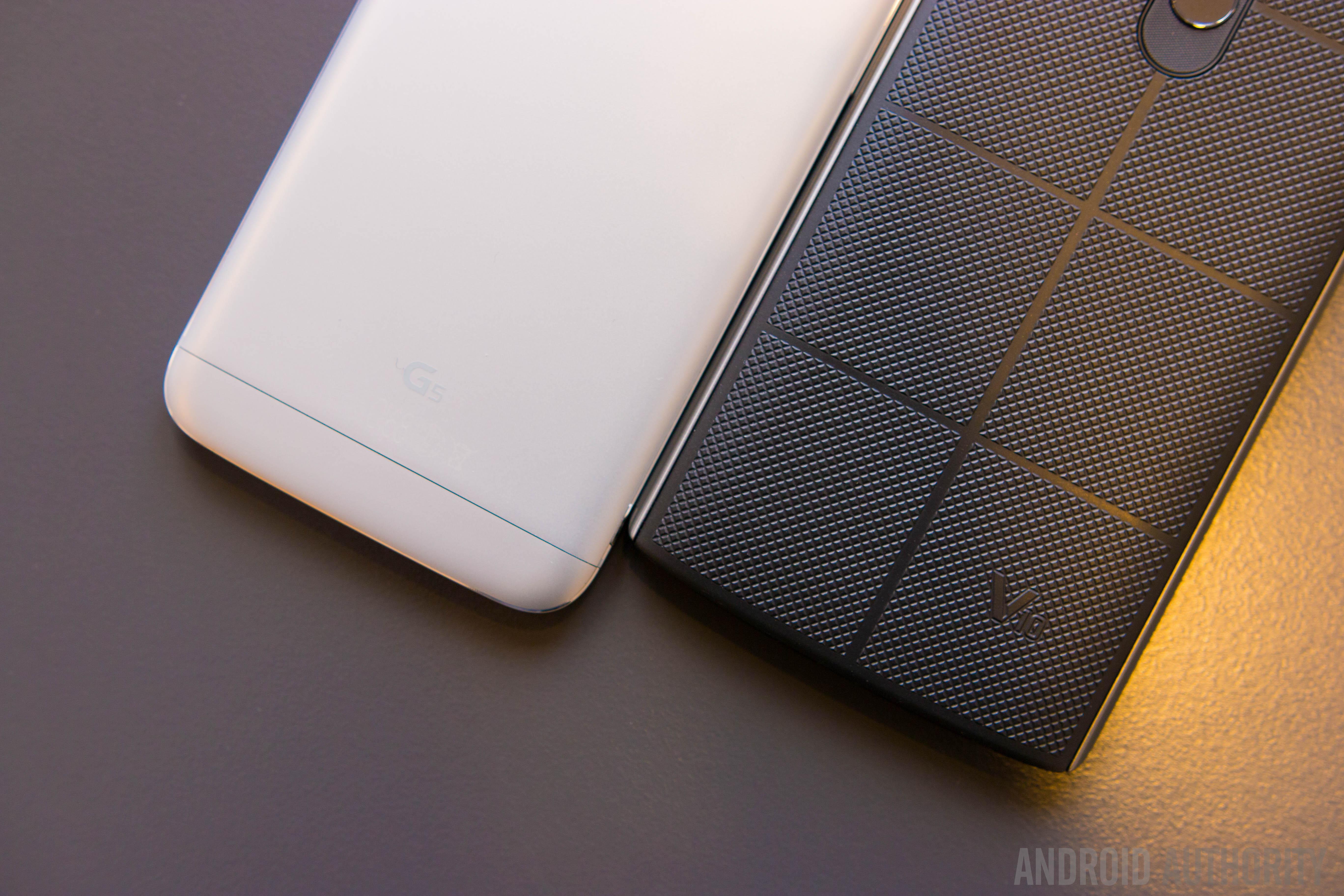 LG G5 vs LG V10 quick look-13