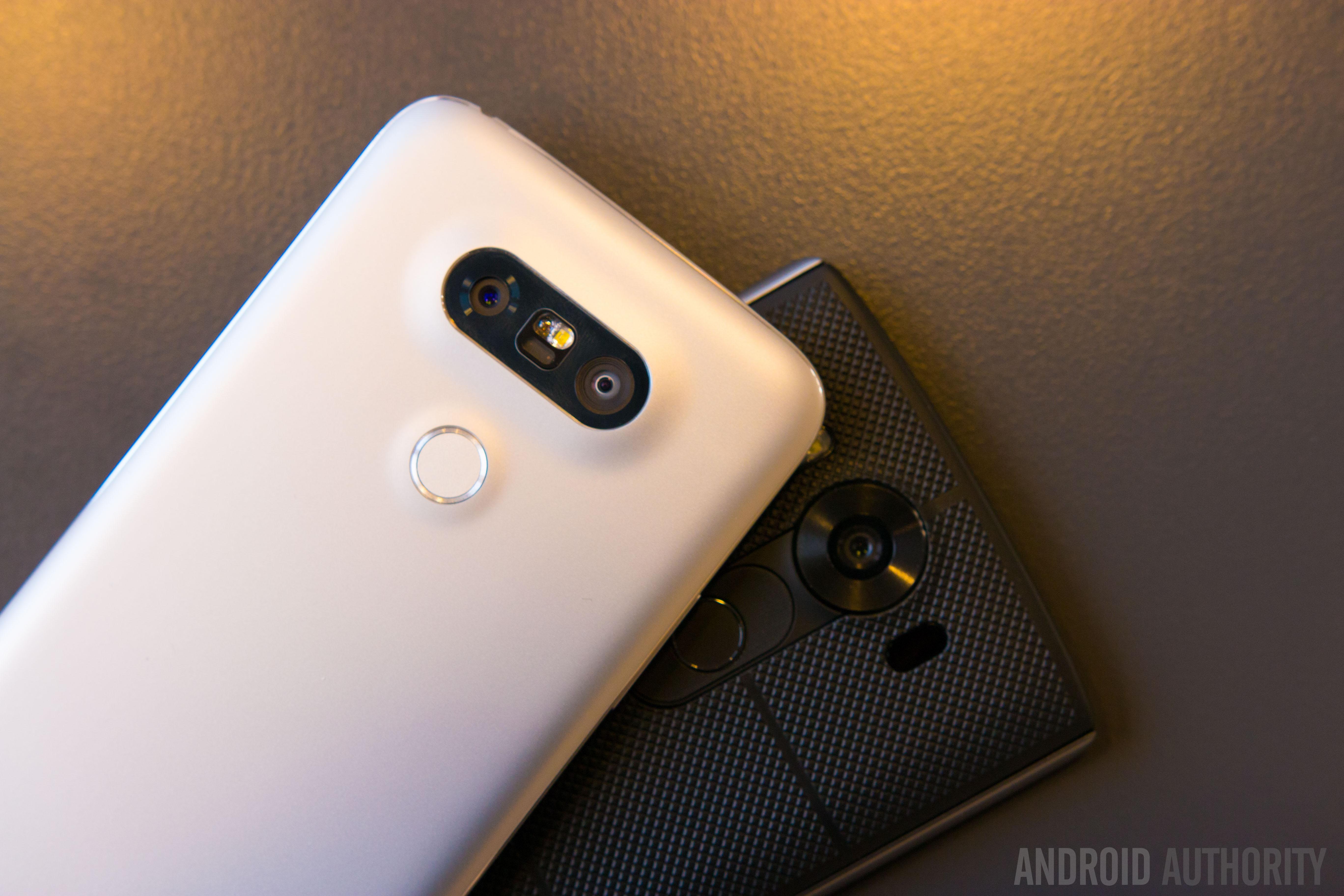 LG G5 vs LG V10 quick look-9