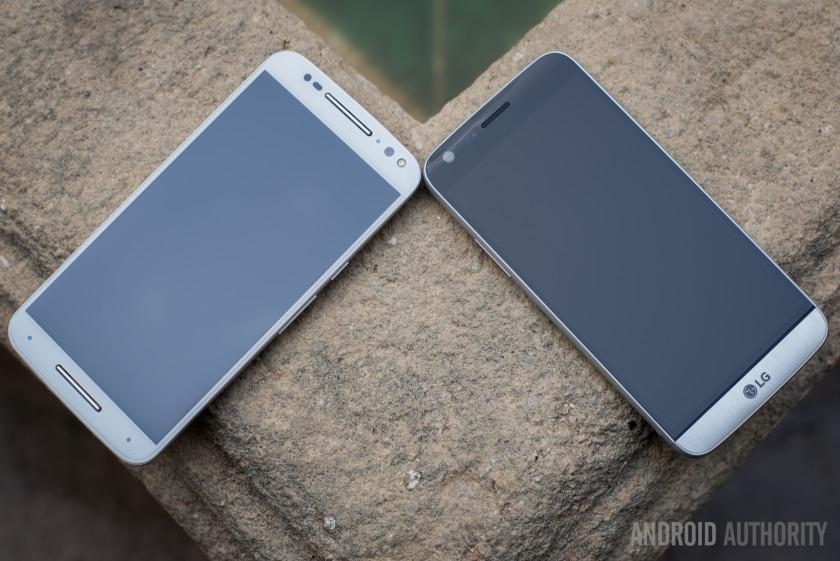 LG-G5-vs-Moto-X-Style-2