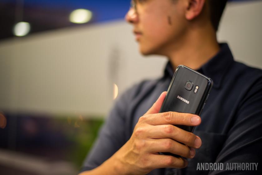 Samsung-Galaxy-S7-3