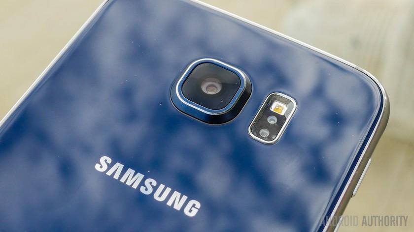 The Samsung Galaxy S6.