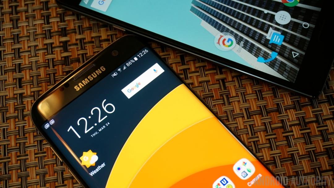 Samsung Galaxy S7 Edge OnePlus 2 - 4