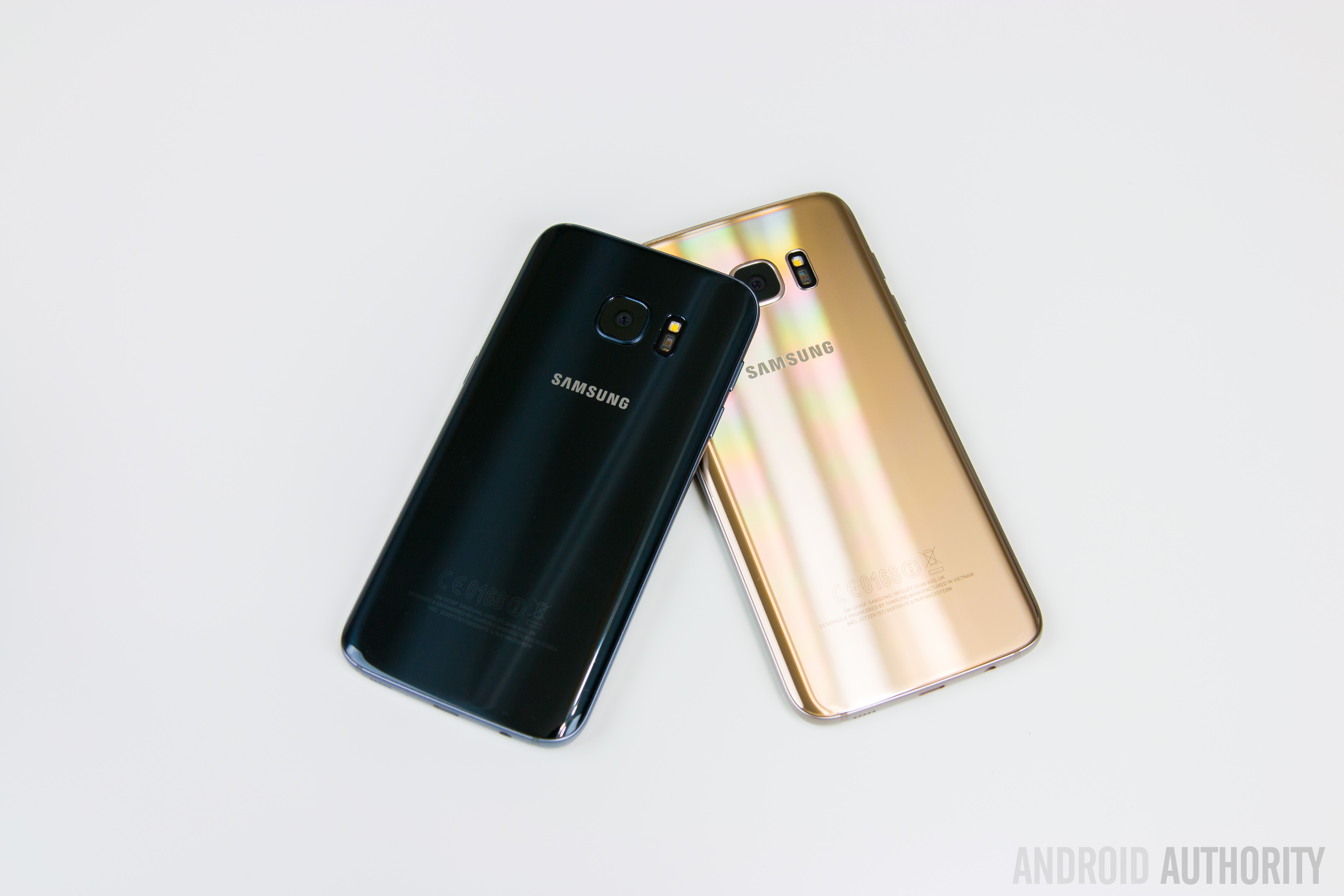 Samsung Galaxy S7 vs S7 Edge-11