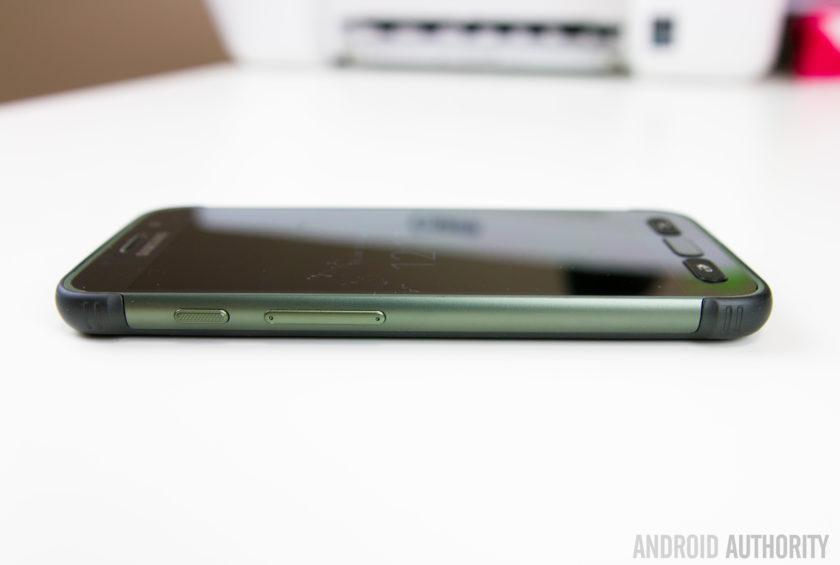 Samsung Galaxy S7 Active-10