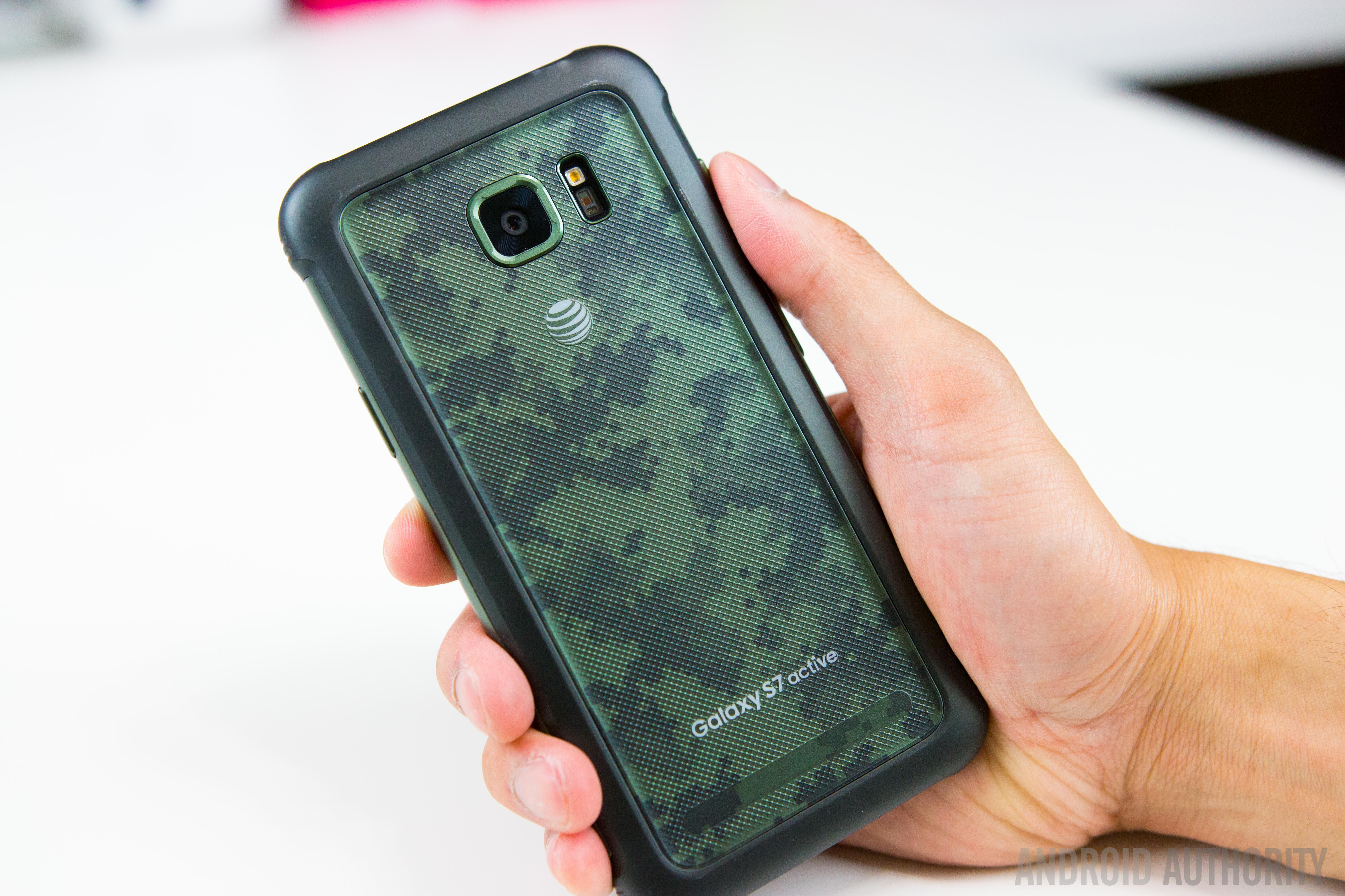 Samsung Galaxy S7 Active-22