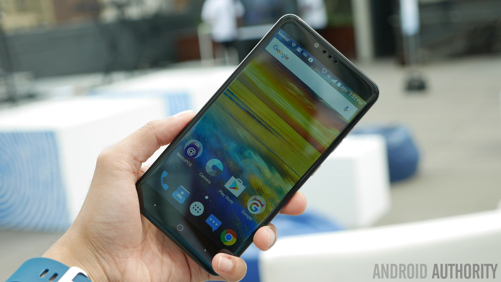 ZTE ZMAX Pro hands on | What is a $100 smartphone like? - Android