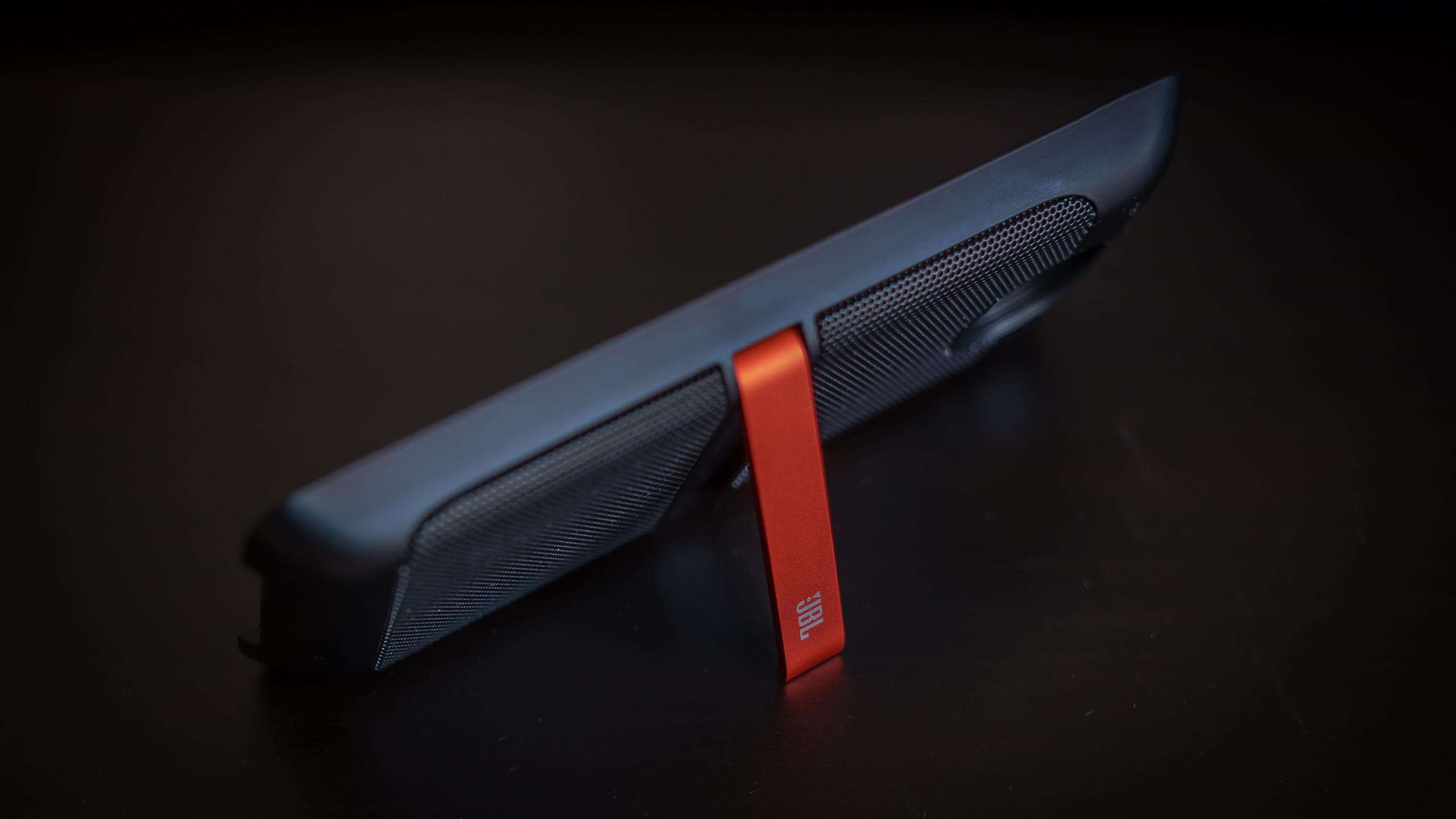 moto mods review soundboost speaker aa (1 of 5)