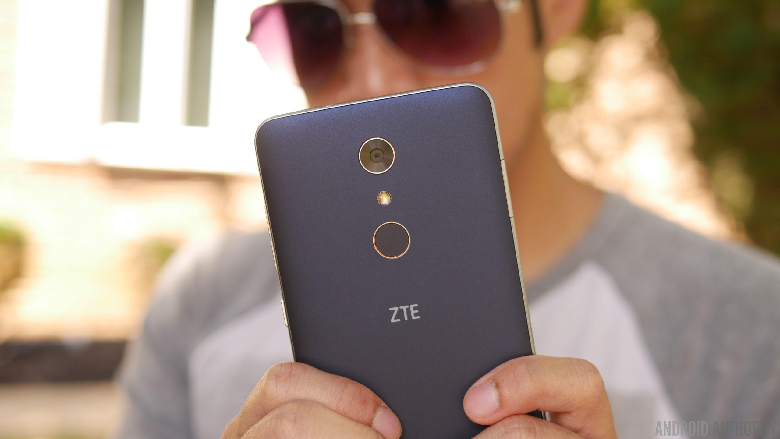 ZTE ZMAX Pro Review 7