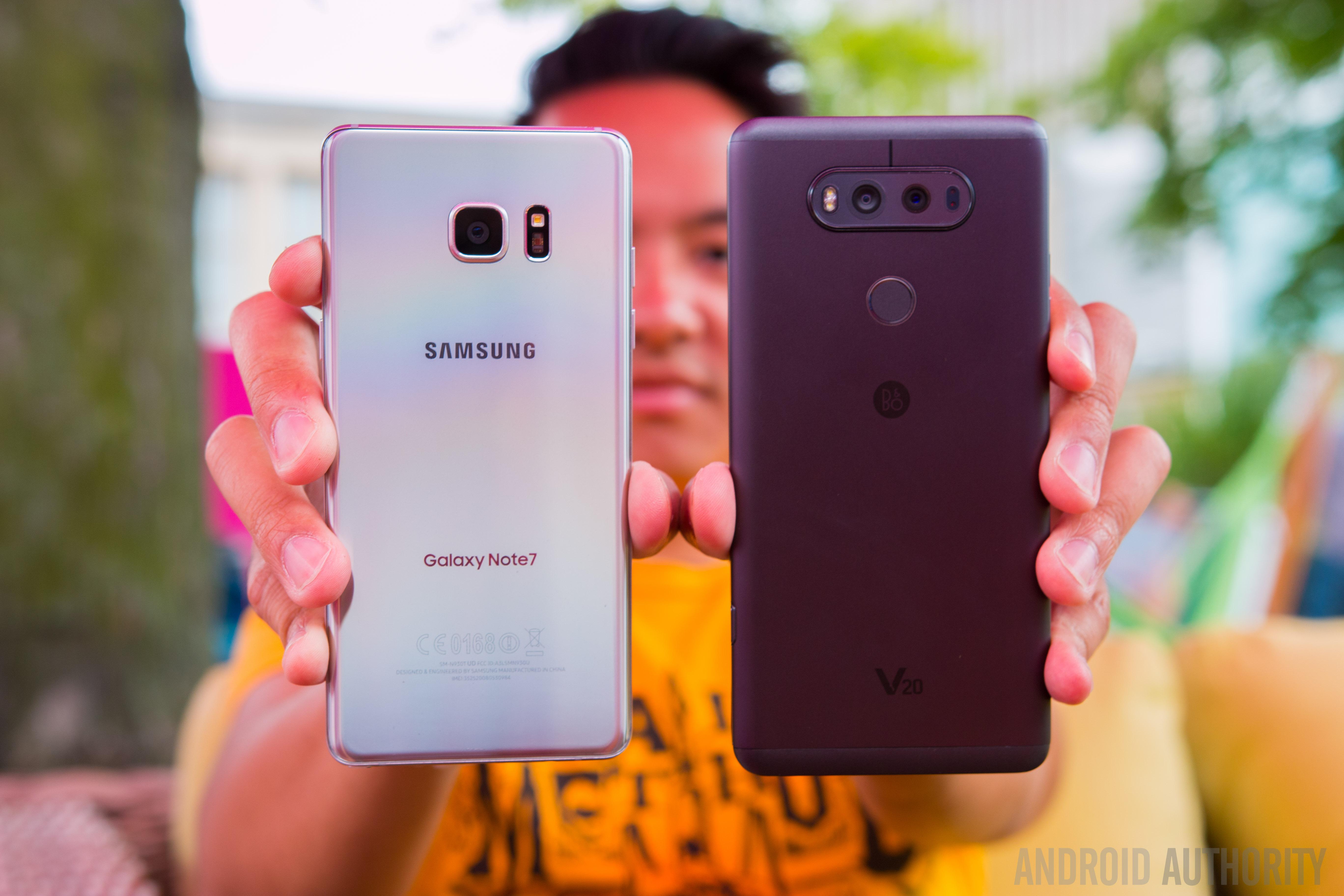 LG V20 vs Samsung Galaxy Note7 Quick Look-10