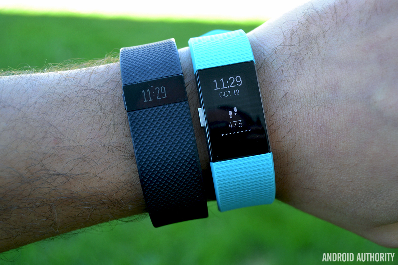 Fitbit Charge 2 vs Charge HR AA 4