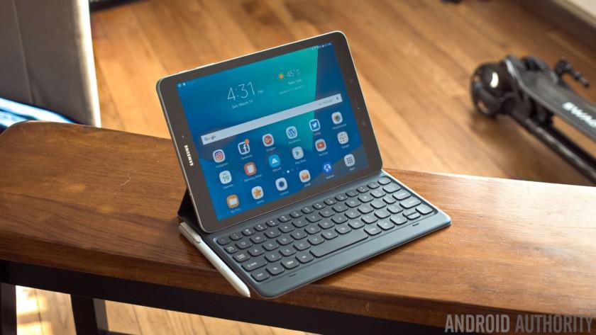 Tablet market extends slide as consumer habits shift