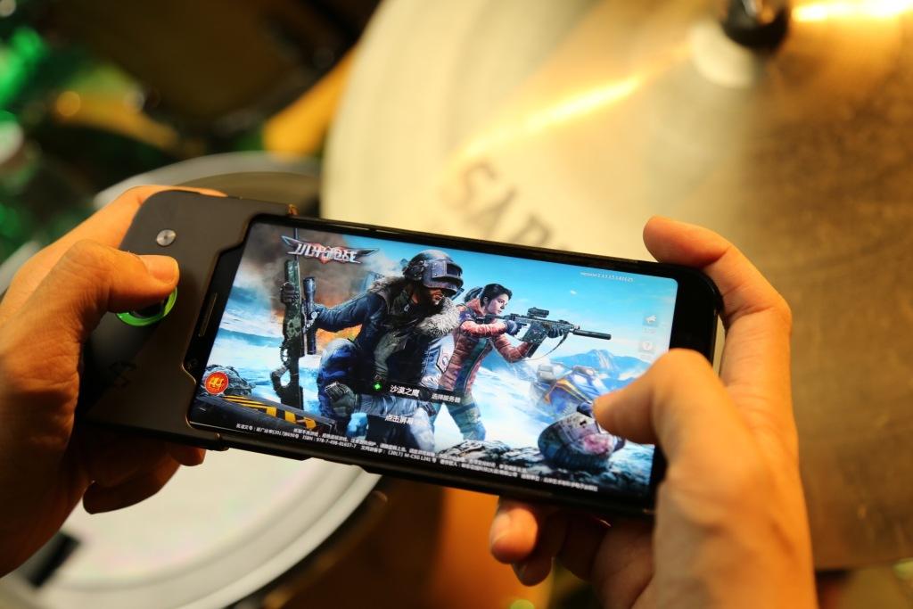 Asus ROG Phone vs Razer Phone 2 vs Xiaomi Black Shark: What's the
