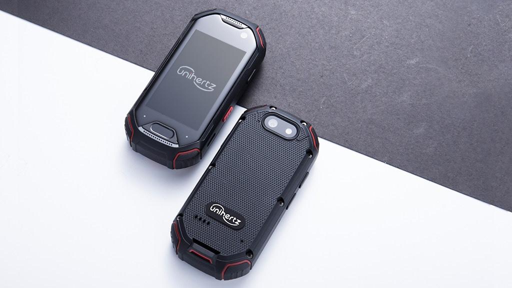 Unihertz Atom smartphone