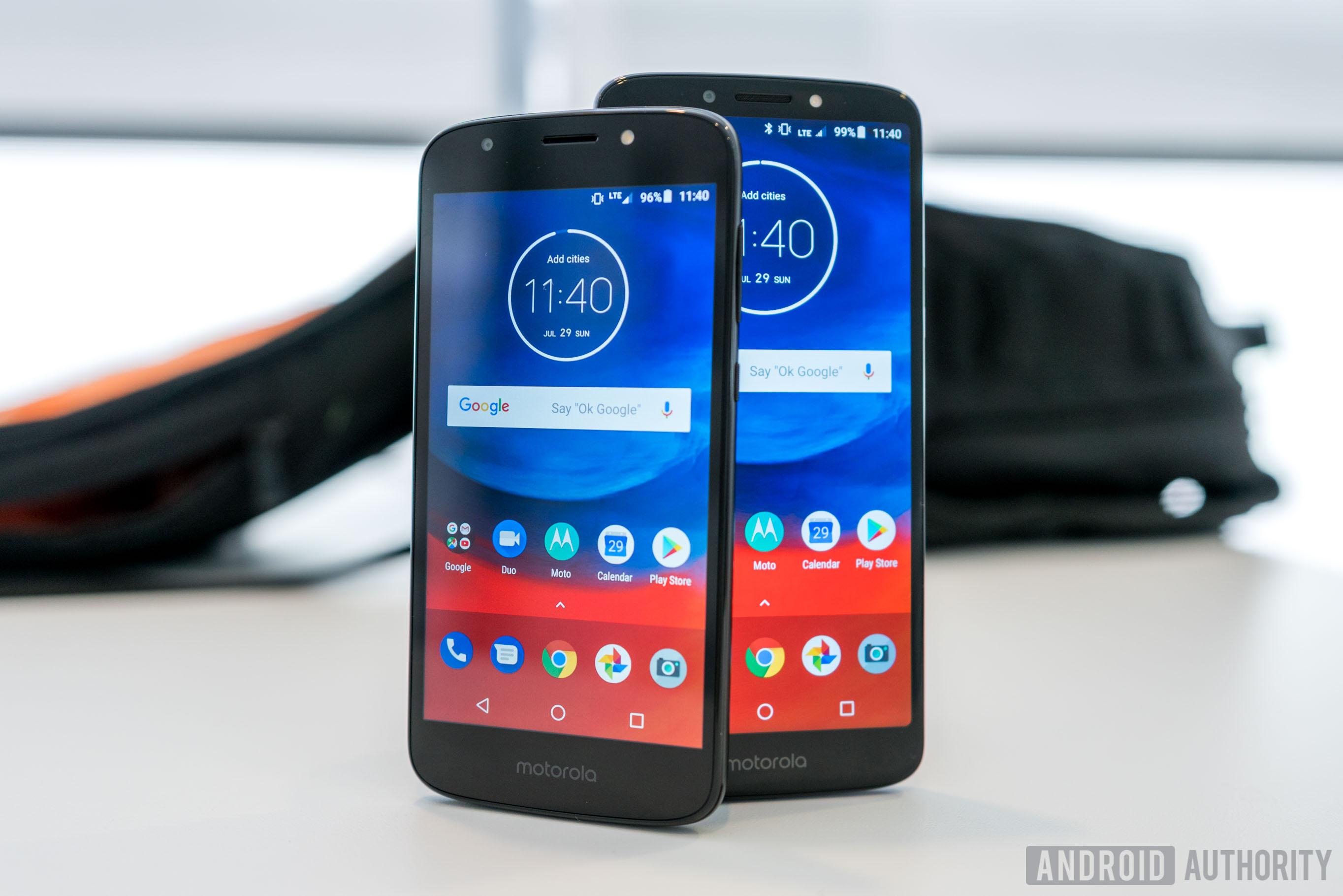 Motorola Moto E5 Plus and Moto E5 Play Front Display On Table, Moto E5 Plus review