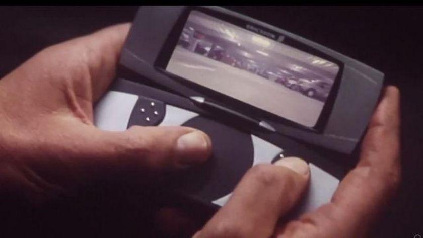 James Bond car remote control smartphone in Tomorrow Never Dies