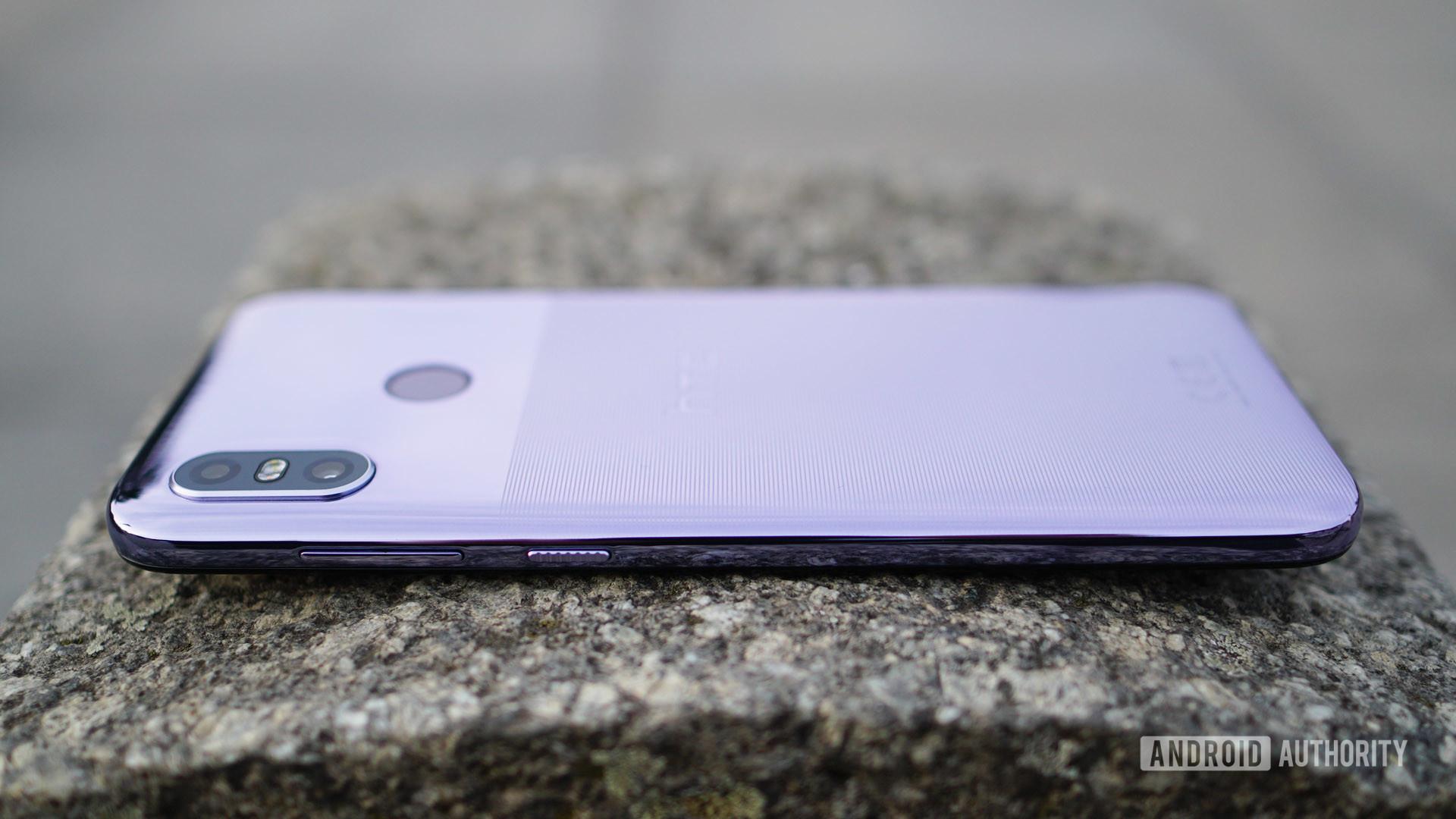 HTC U12 Life design