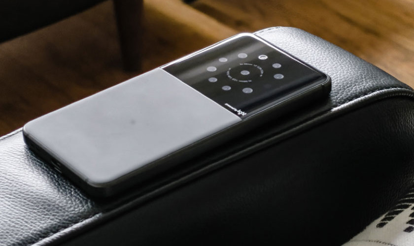 Mock image of Light's multiple camera technology in a smartphone form factor